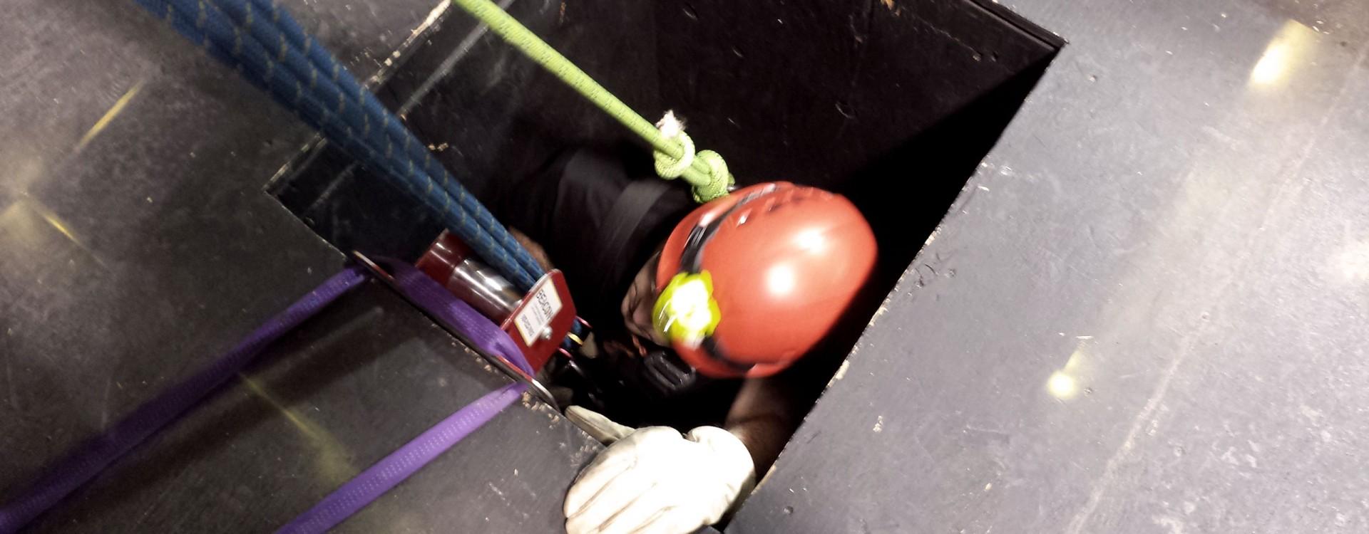 Confined Space Rescue Training - OSHA & NFPA - Beacon